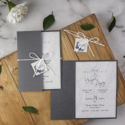 gri renk minimal düğün davetiyesi